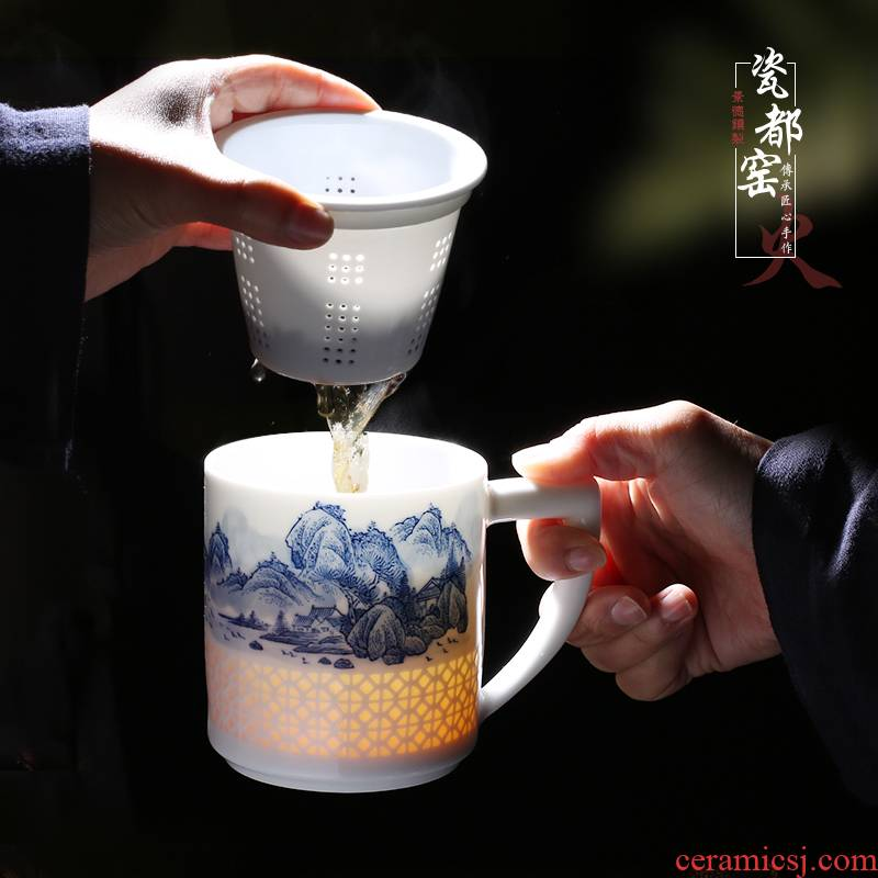 Jingdezhen up the fire which hand made exquisite mark cup filter office of blue and white porcelain cup with a lid of household ceramics