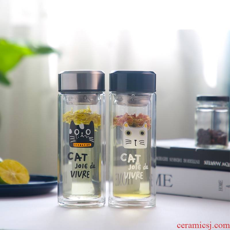 A String of male and female students guest double insulated glass cup portable with transparent express cat portable tea cup