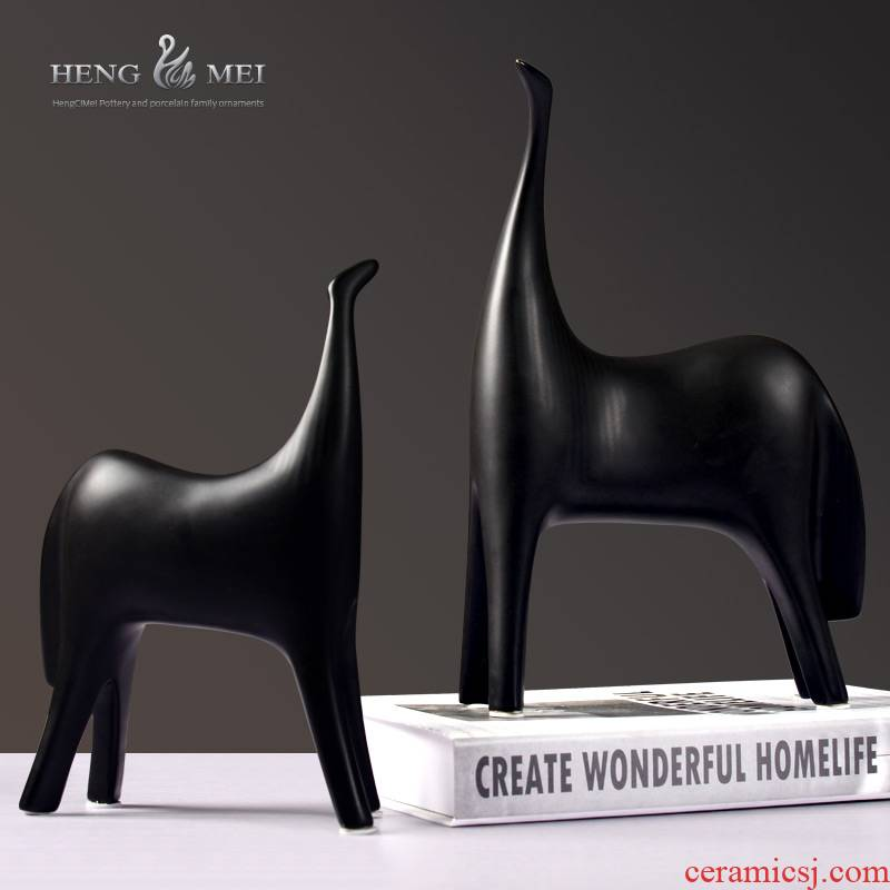 I and contracted, black and white ceramic horse furnishing articles creative home sitting room of TV ark, wine porch is decorated horses furnishing articles