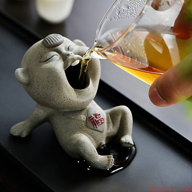 Tea pet ceramic furnishing articles pee violet arenaceous water creative Tea Tea Tea fun playing yixing decoration little urine boy baby