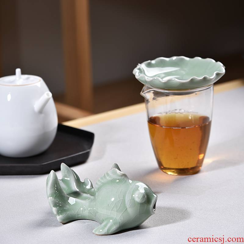 Creative kung fu tea accessories elder brother up goldfish tea) ceramic filter tea tea tea insulation filter)