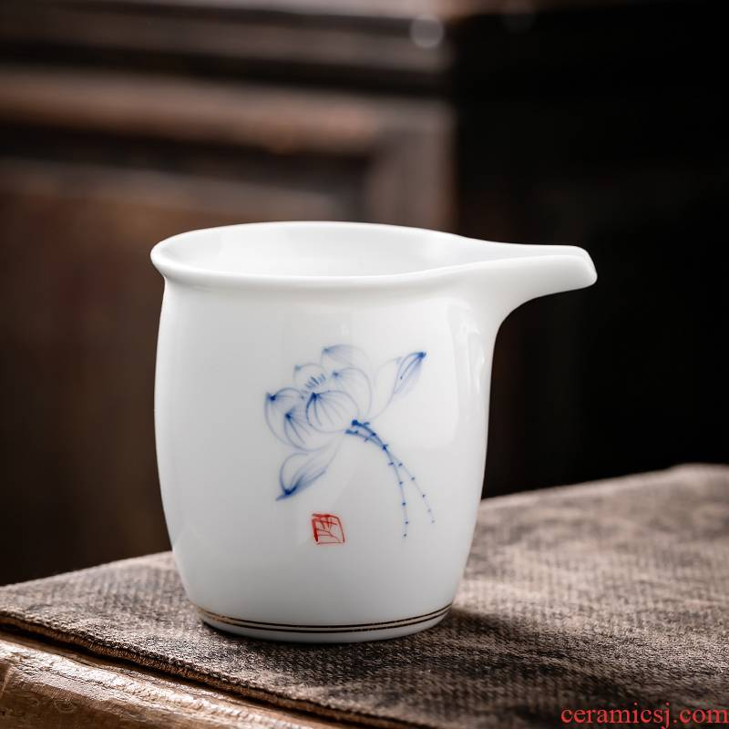 Fujian and creative tea ware Japanese hand - made ceramic fair keller contracted household points white porcelain cup kung fu tea tea