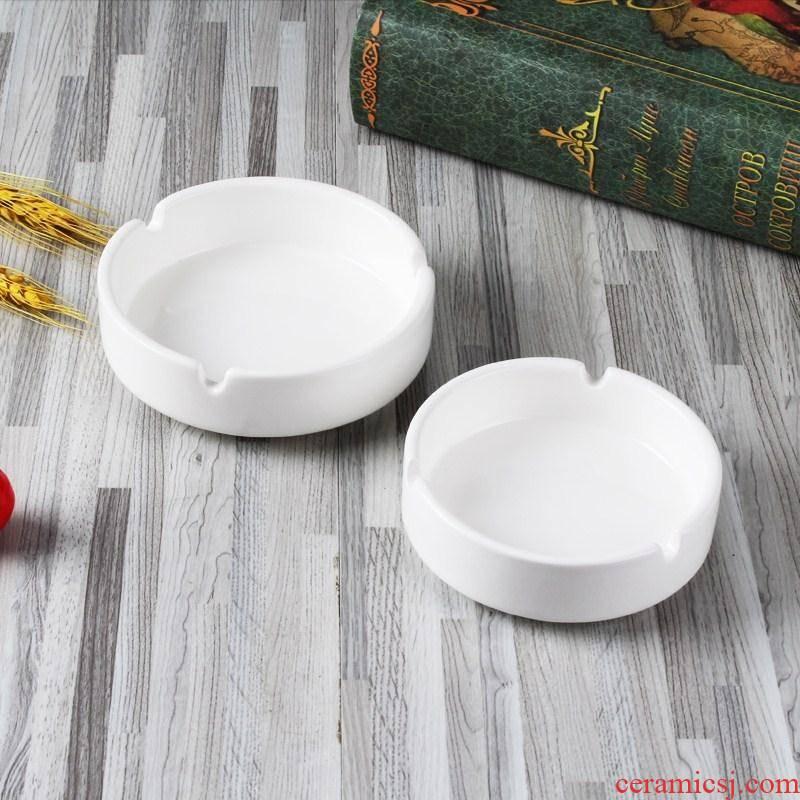 White porcelain hotel porcelain ceramic round toilet ashtray in the Internet bar tabletop KTV small toilet ashtray home