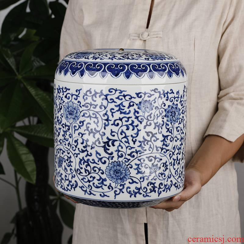 Hand - made retro pu - erh tea storage caddy fixings of blue and white porcelain ceramic seven large number of tea cake jar barrel receives household