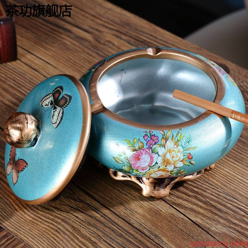 Creative ceramic ashtray sitting room tea table decorations with cover large European wind ashtray home furnishing articles