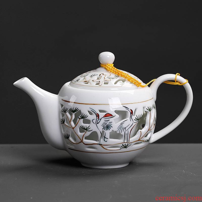 Little teapot in hand to expressions using single creative hollow out move modern European ceramic drinking tea pot with lid office