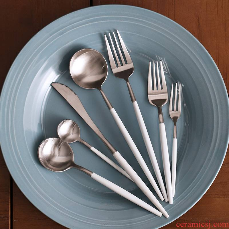 WUXIN western knife and fork set home a full set of 304 stainless steel spoon, three - piece move the steak knife tableware