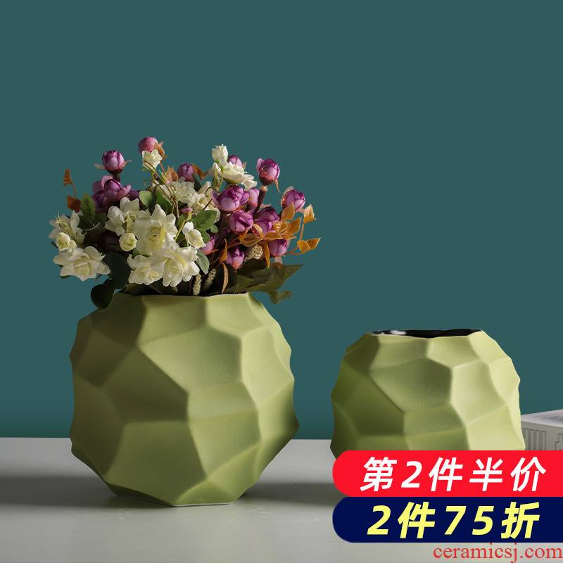 Ceramic floret bottle of dried flowers, green creative geometric northern wind flower arranging household table sitting room adornment is placed