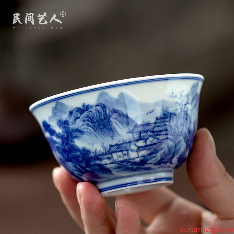 All hand blue and white landscape master cup of jingdezhen ceramic hand - made kung fu tea cup single cup sample tea cup