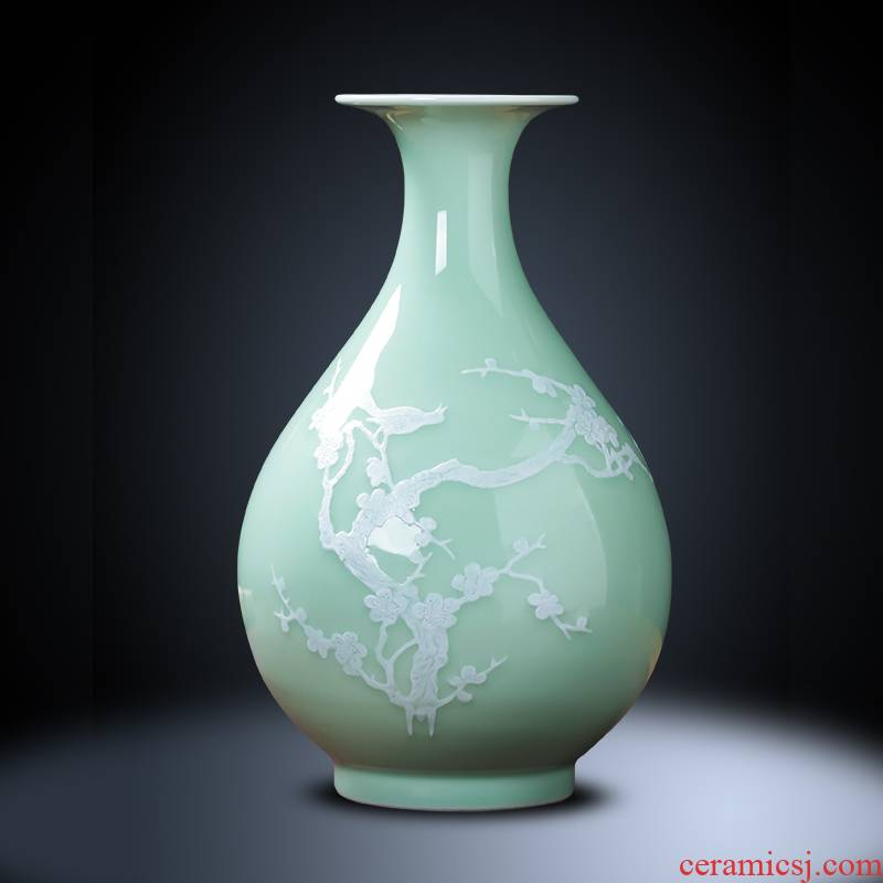 Jingdezhen ceramics archaize celadon name plum flower vases, sitting room ark, flower arrangement of new Chinese style household decorations furnishing articles