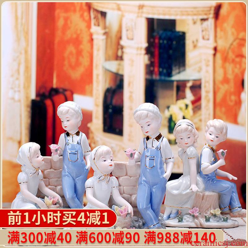 418 jingdezhen modern ceramic fashion crafts are contracted that occupy the home decoration western female small couples decoration