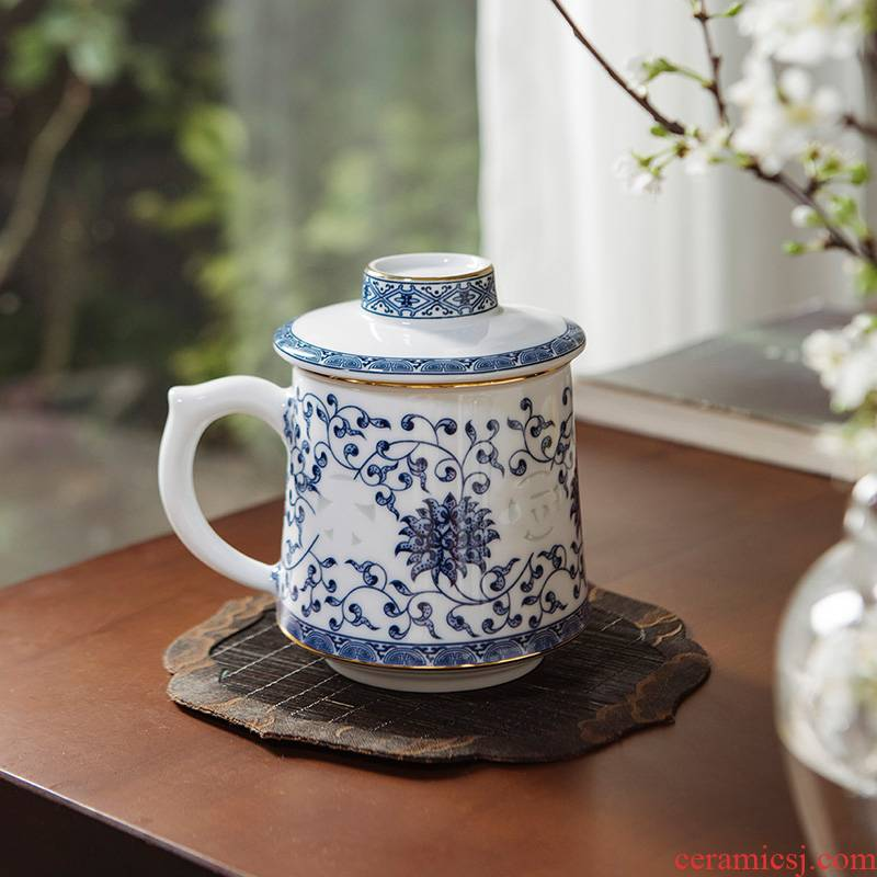 Jade BaiLingLong jingdezhen ceramic filter large cups with cover office cup of blue and white and exquisite cups don 't forget the beginner' s mind