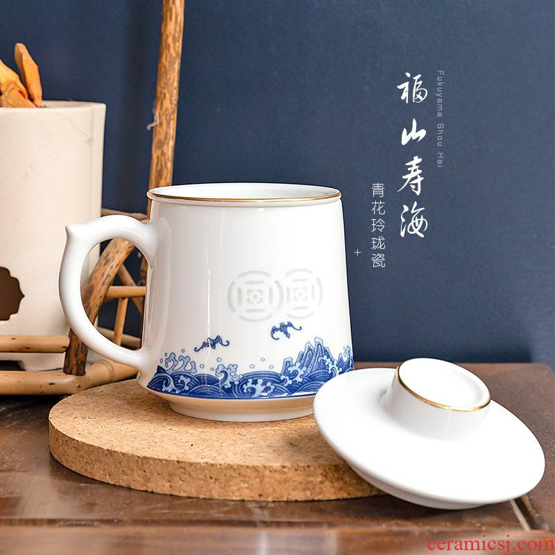 Jade cypress white porcelain of jingdezhen blue and white and exquisite ceramic filter large office cup with cover cups fushan ShouHai cups
