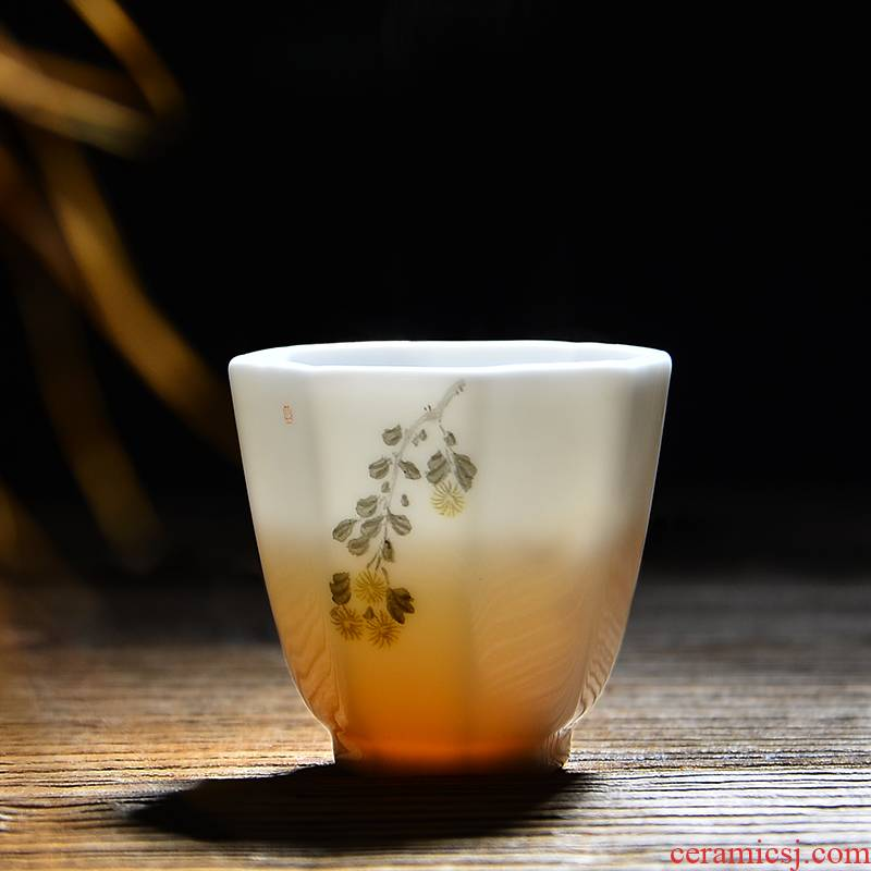 24 is hand - made of ceramic small white porcelain octagon cup sample tea cup kung fu master individual cups cups of tea