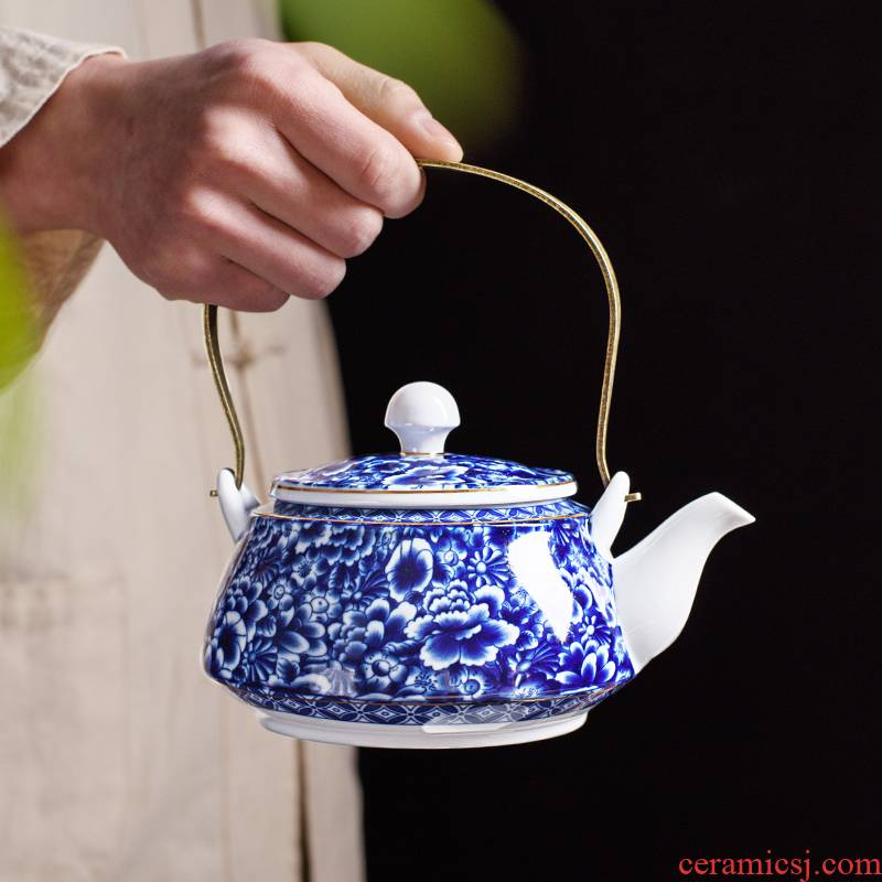 Large girder of blue and white porcelain pot of household ceramics Large - capacity cold cold water kettle Large - sized filter teapot