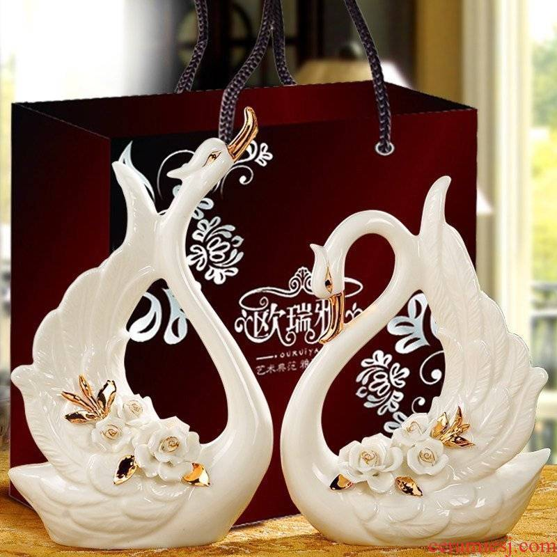 Practical wedding present European furnishing articles swan, wine accessories creative living room TV ark, ceramic craft gift
