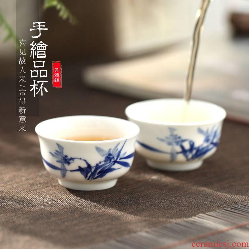 The Poly real scene hand - made kung fu tea cups porcelain jingdezhen blue and white porcelain single sample tea cup lamp that pu 'er tea