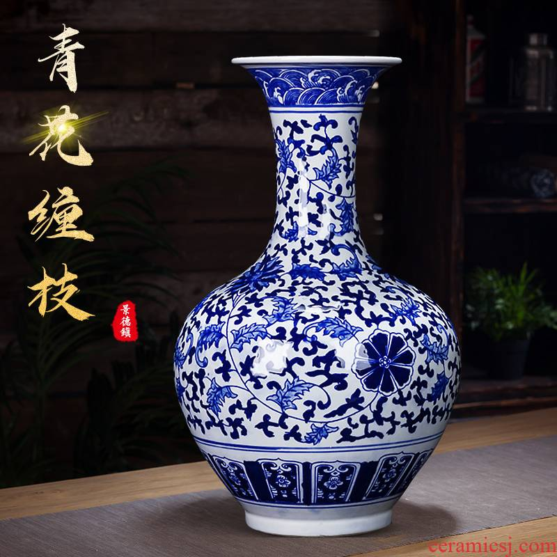 Jingdezhen ceramics antique hand - made bucket color blue and white porcelain vase furnishing articles of Chinese style household adornment flower arrangement sitting room