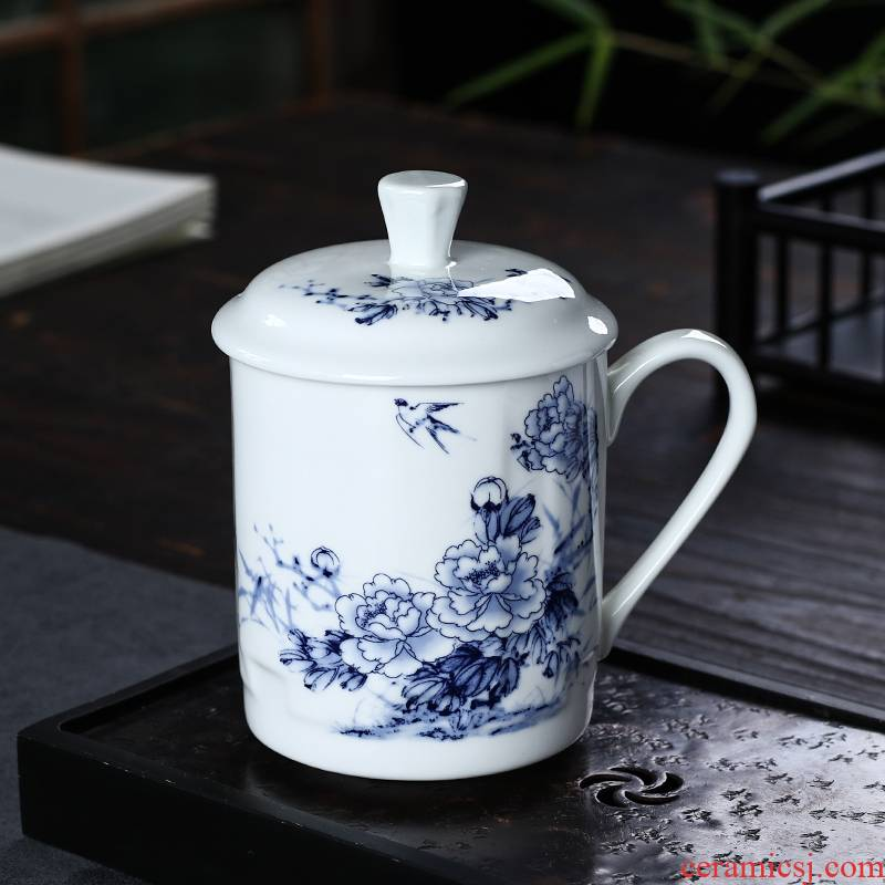 Jingdezhen ceramic cups with cover water blue and white porcelain cup home office gift cup tea office meeting