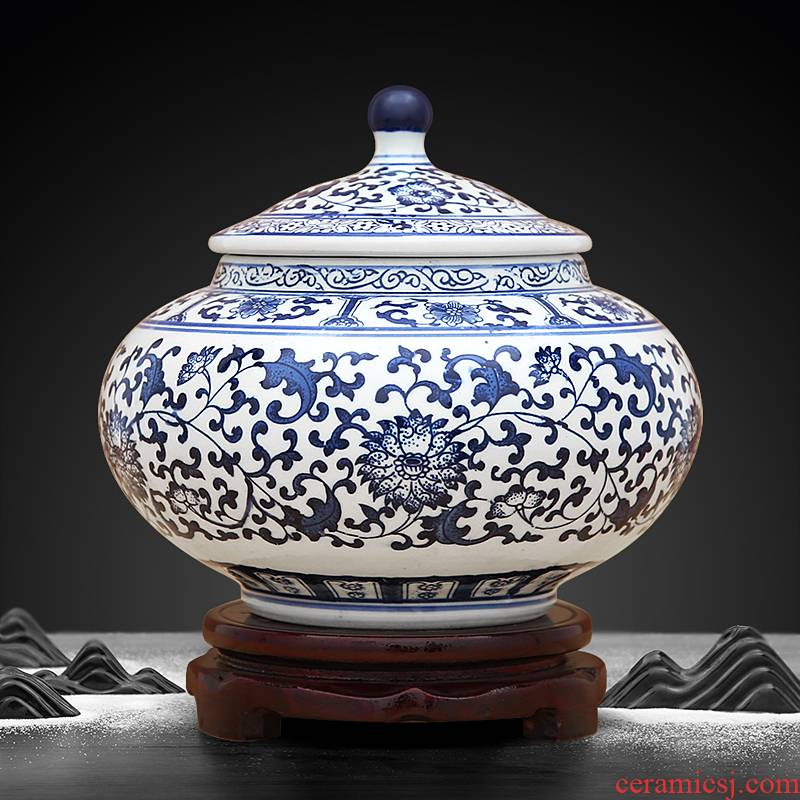To porcelain industry of jingdezhen blue and white porcelain antique checking pottery tea pot