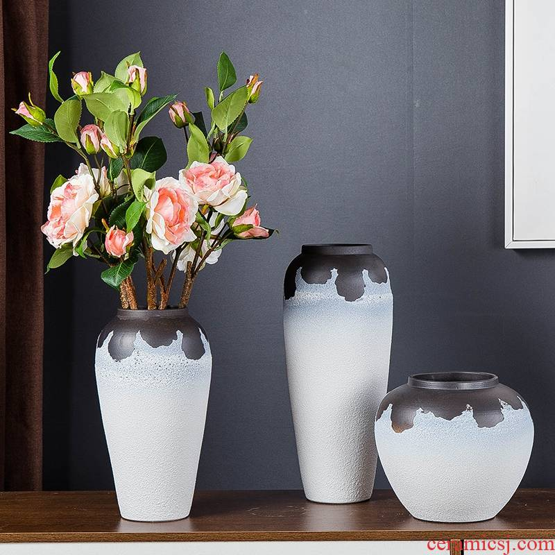 Jingdezhen ceramic vases, small pure and fresh and I household living room TV cabinet furnishing articles furnishing articles wine porch decoration