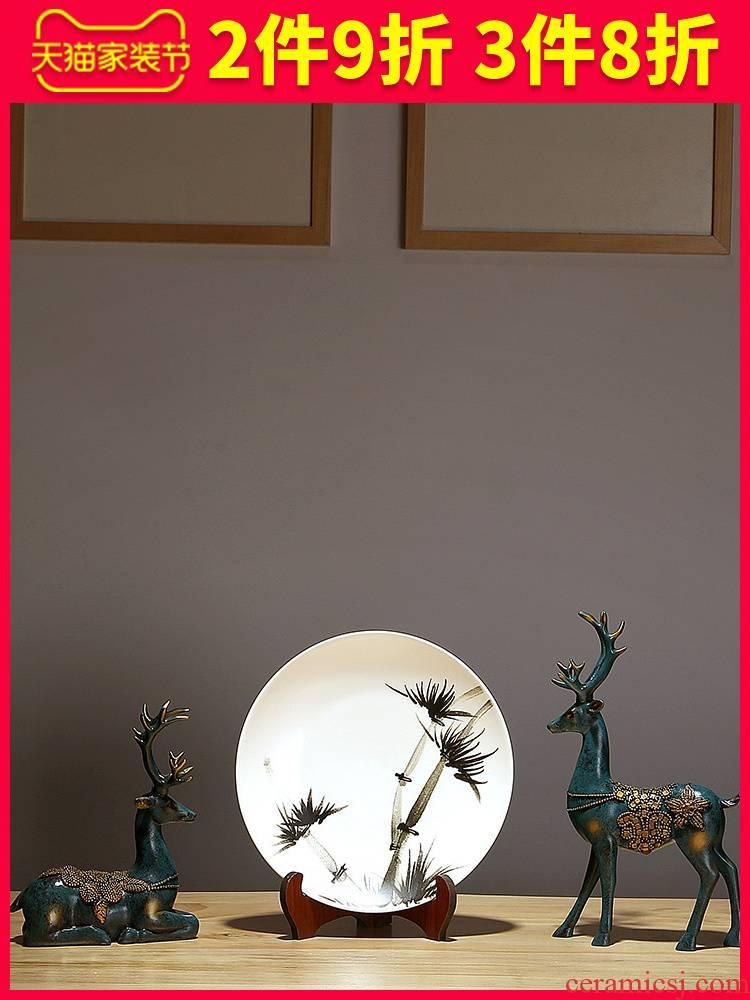 Jingdezhen ceramics decoration hanging dish dish dish art porcelain painting modern fashionable Chinese style household decoration