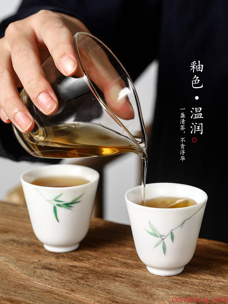Jingdezhen porcelain hand - made of ceramic cups a single sample tea cup kung fu master cup single CPU fragrance - smelling cup tea set