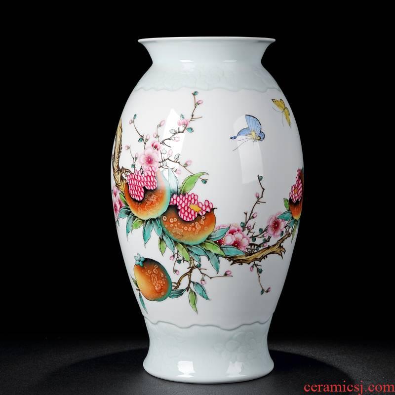 Jingdezhen vases, antique hand - made powder enamel glaze on the mesa of pomegranate flower vase