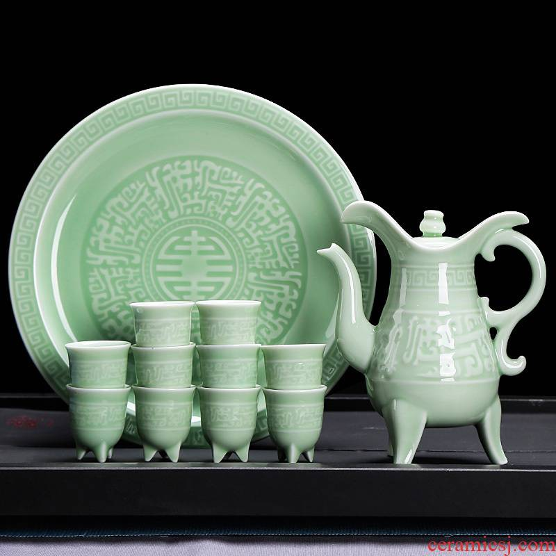 New ceramic wine suits for celadon traditional decanters Chinese style household, a small handleless wine cup white glass goblet sitting room