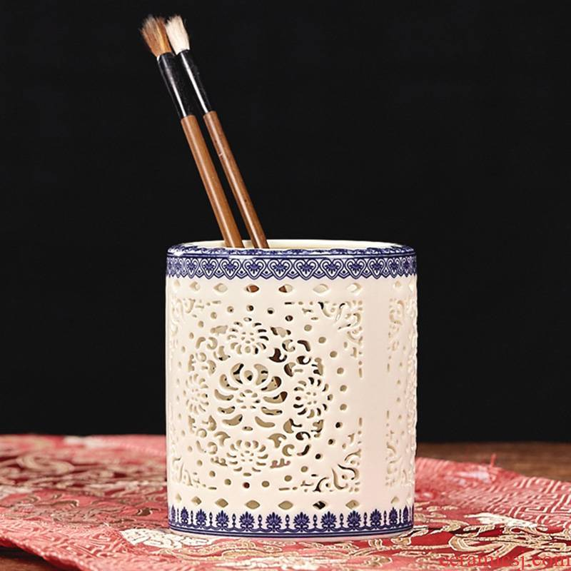 Brush pot ceramic creative fashion gift office supplies the receive a case the teacher hollow vase study adornment furnishing articles