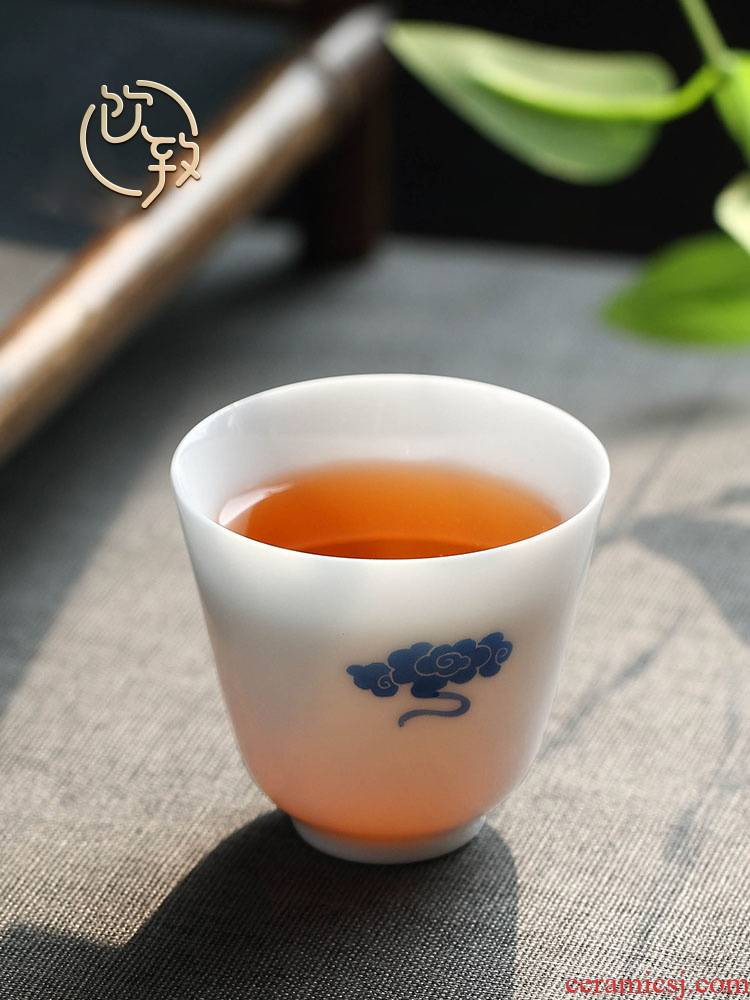 Ultimately responds to sweet white porcelain craft master of blue and white porcelain cup cup sample tea cup small individual cup kung fu tea cup