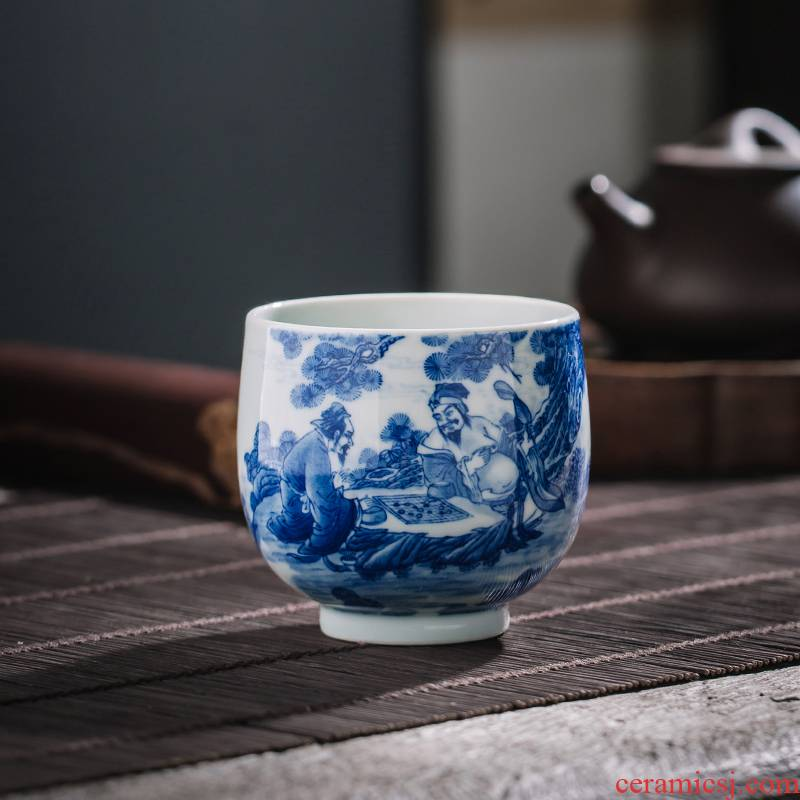 The Owl up jingdezhen blue and white master cup tea character kunfu tea tea cups sample tea cup single CPU
