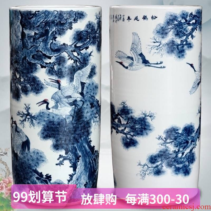 Blue and white porcelain of jingdezhen ceramic hand - made pine crane live ground quiver sitting room of Chinese style household furnishing articles and calligraphy cylinder