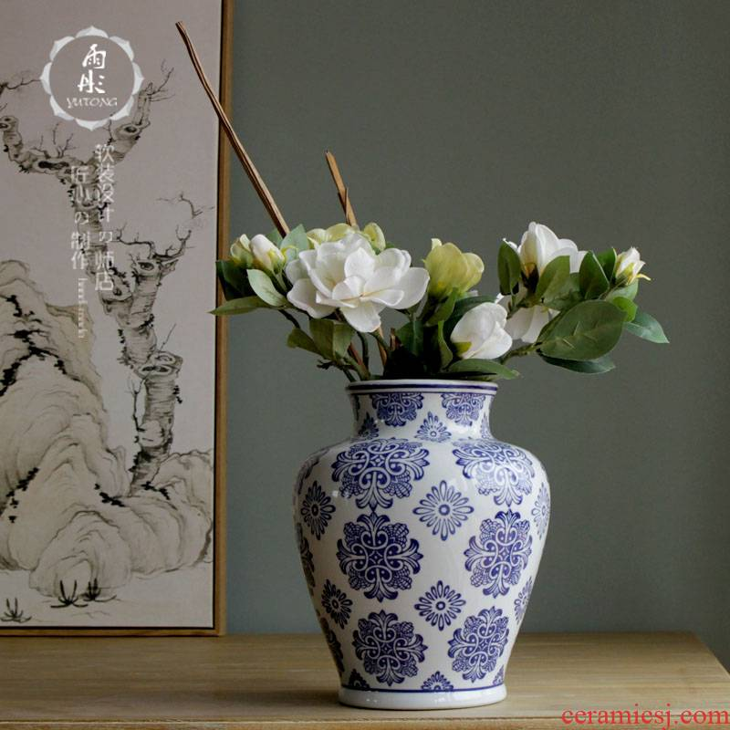 Blue moon series of Blue and white porcelain vase of jingdezhen ceramic vase furnishing articles furnishing articles at home in the living room