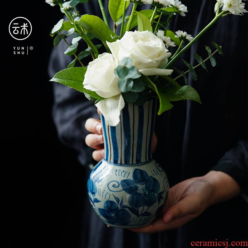 Chinese hand - made small plug-in of blue and white porcelain vase sitting room place jingdezhen checking ceramic creative hydroponic flowers