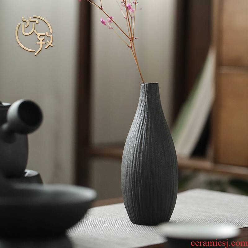Ultimately responds to black pottery mini vase Japanese zen ceramic small dry flower flower arranging flower implement manual accessories to restore ancient ways furnishing articles