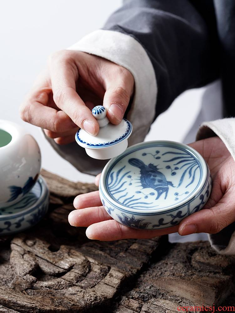 Cover bracket Cover buy ceramic antique blue - and - white riches and honour auspicious fish are it Cover pad kung fu tea accessories tea taking with zero
