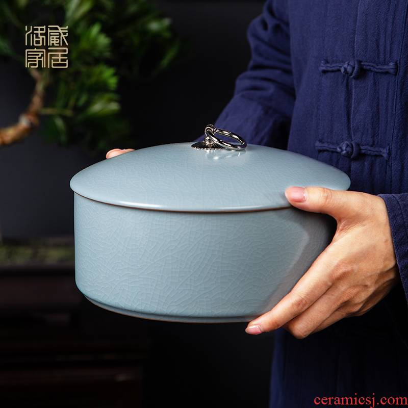 Large caddy fixings jingdezhen ceramic seal pot Large capacity storage jar your up boutique high - end tea cake tin