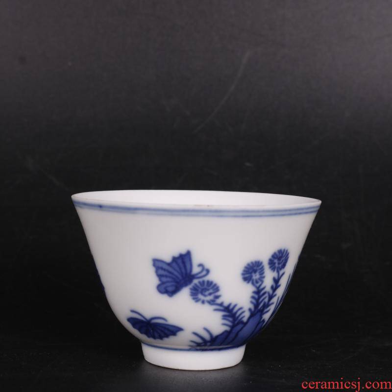 Blue and white butterfly pattern in frost of autumn tea cups antique crafts home furnishing articles antique antique Chinese porcelain