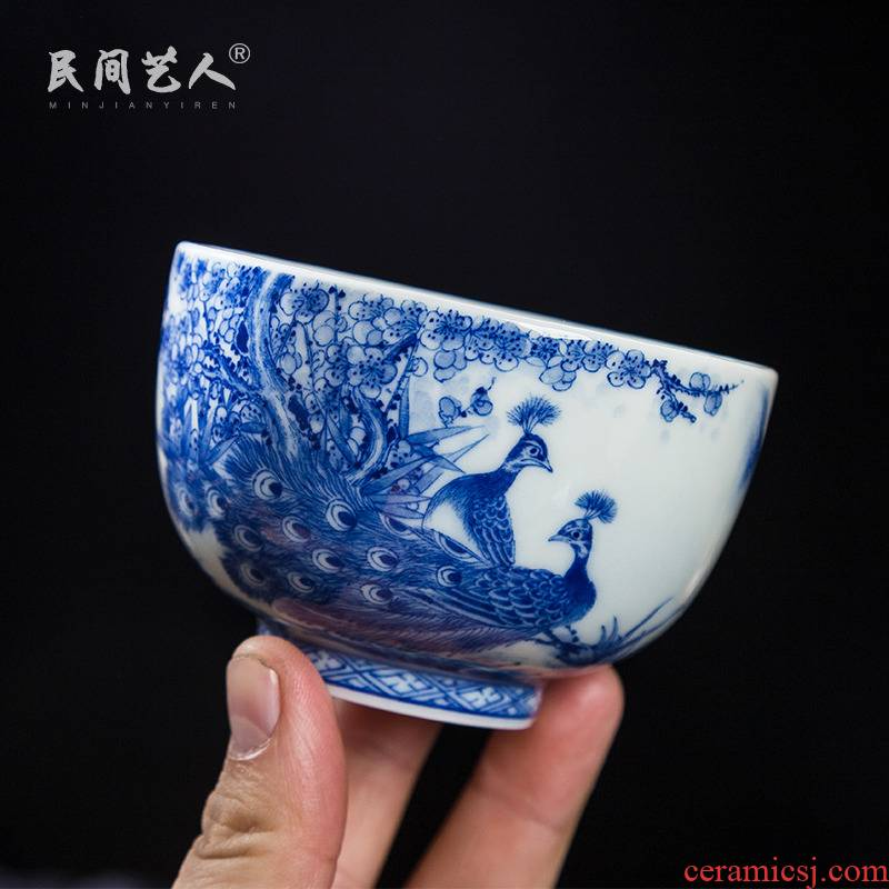 Pure manual master cup peacock hand blue and white porcelain of jingdezhen ceramic sample tea cup kung fu tea cup