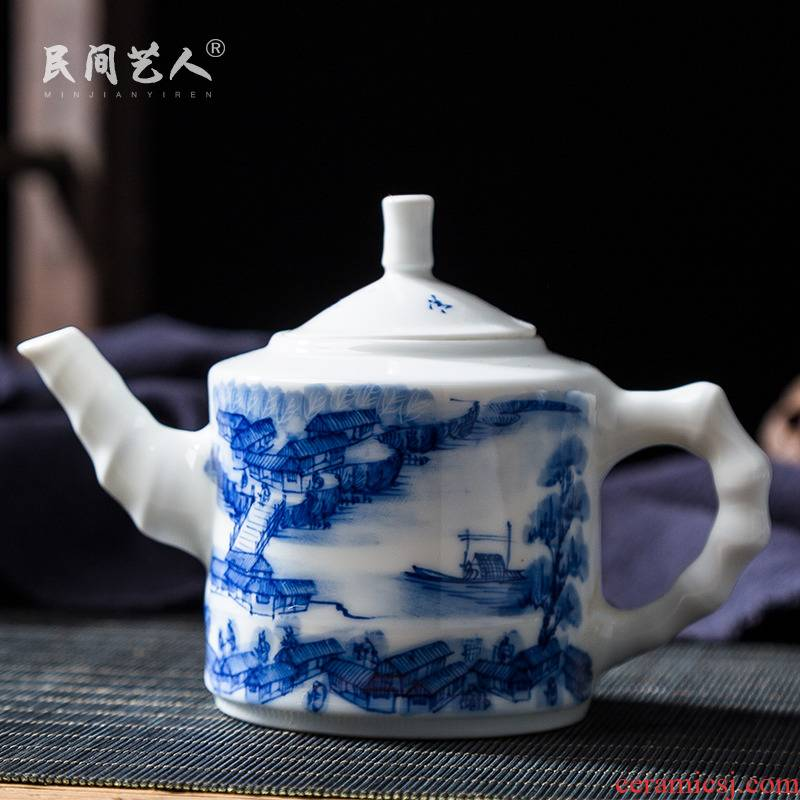 Jingdezhen ceramic hand - made kung fu tea set of blue and white porcelain teapot single pot of pu 'er tea tea, the hollow handle