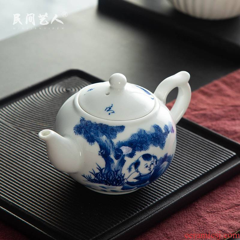 Jingdezhen ceramic teapot small single pot of kung fu tea Chinese tea to hand - made filtering of blue and white porcelain teapot