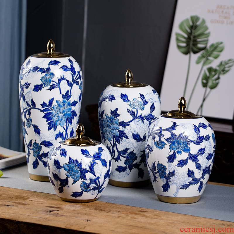 Soft outfit blue and white porcelain of jingdezhen ceramics creative I and contracted gold - plated lighter key-2 luxury ceramic flower vases furnishing articles in the living room