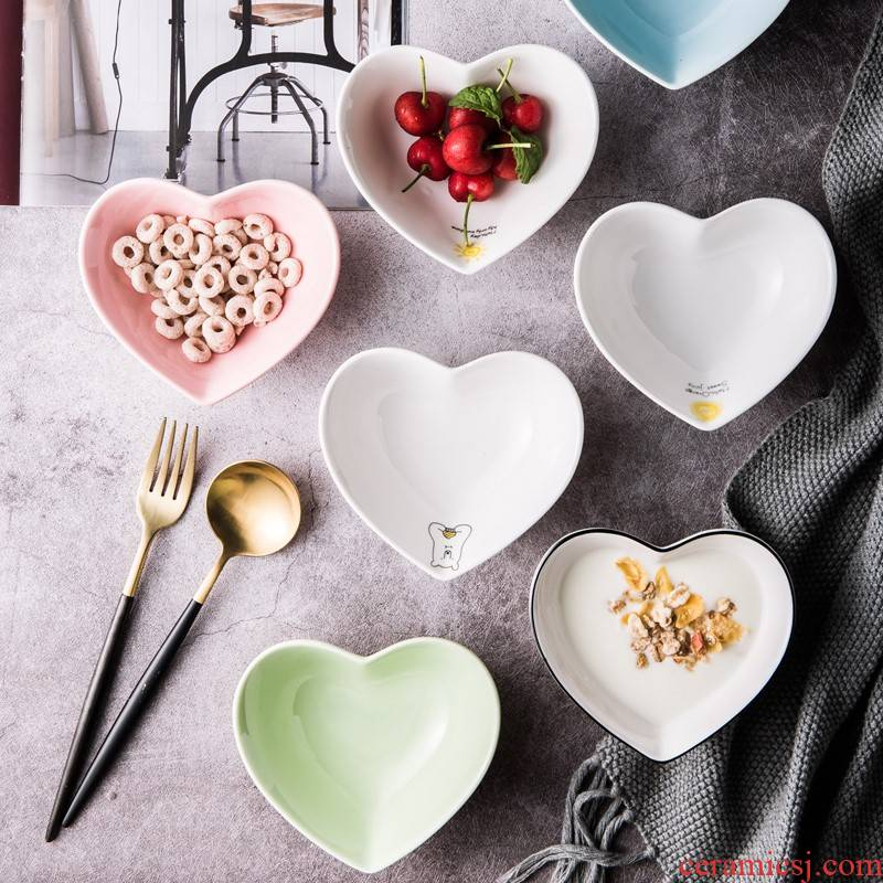 Baked Baked shape bowl bowl of candy color ceramic love snacks dessert pudding bowl bowl bowl of fruit salad bowl