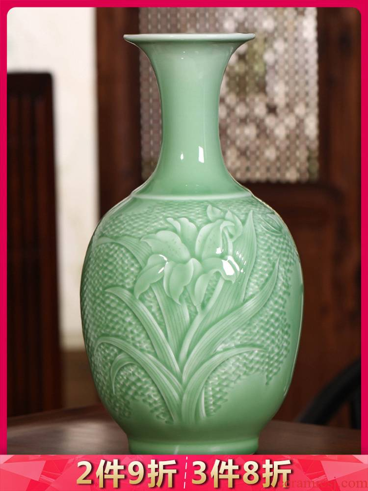 Jingdezhen ceramics shadow blue vase carved sitting room of Chinese style household flower arranging dried flower adornment TV ark, furnishing articles