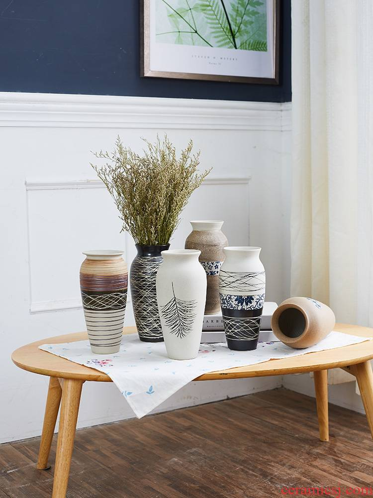 Jingdezhen ceramic dry flower vase household pottery furnishing articles I and contracted Europe type restoring ancient ways is the sitting room is decorated vase