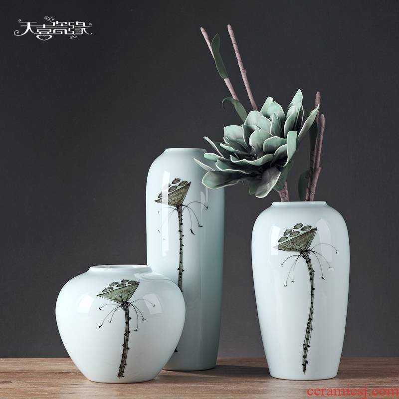 Modern Chinese style simple ceramic flower vase continental creative living room dried flowers, household soft adornment is placed