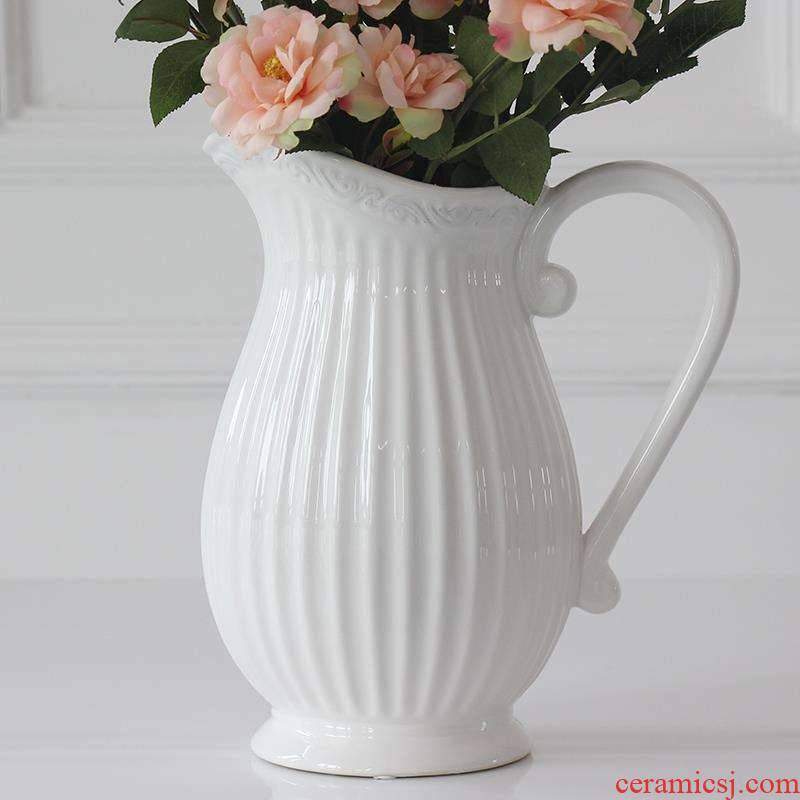 Vases with handles ceramics with creative furnishing articles room to put the dried flowers in the bottle European retro nostalgia