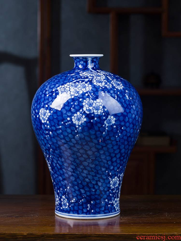 Jingdezhen ceramics archaize Kang Xiqing ice MeiWen hand - made vases furnishing articles Chinese flower arranging porch is decorated living room
