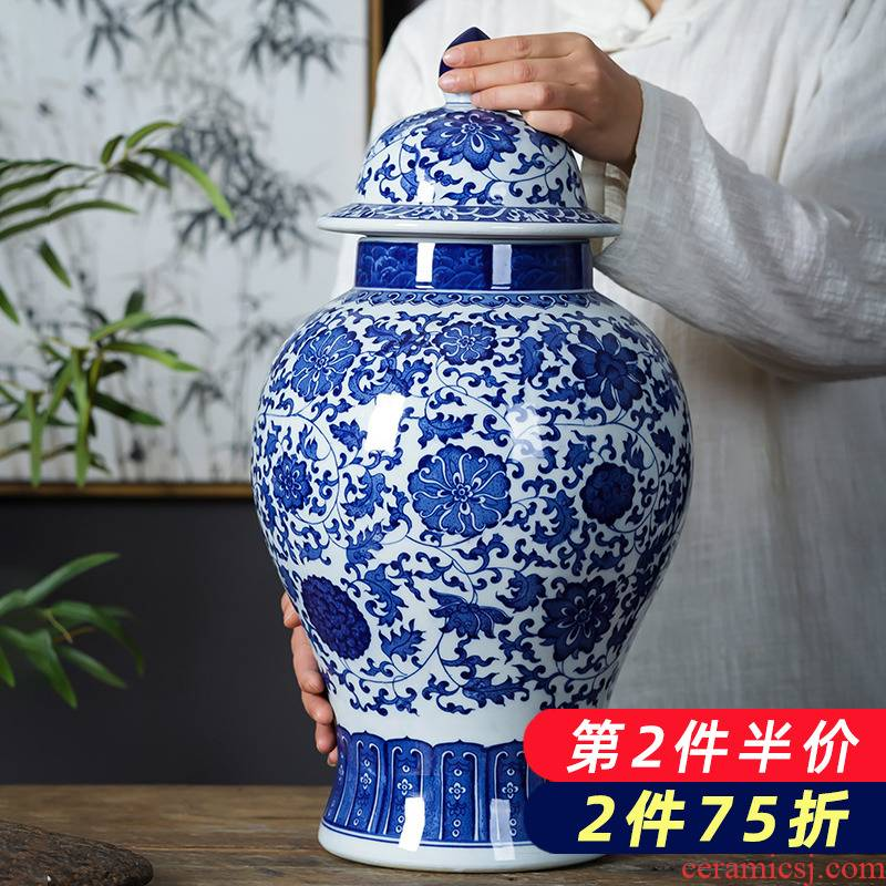 Blue and white porcelain of jingdezhen ceramics large antique general jar with cover storage tank Chinese style household adornment furnishing articles
